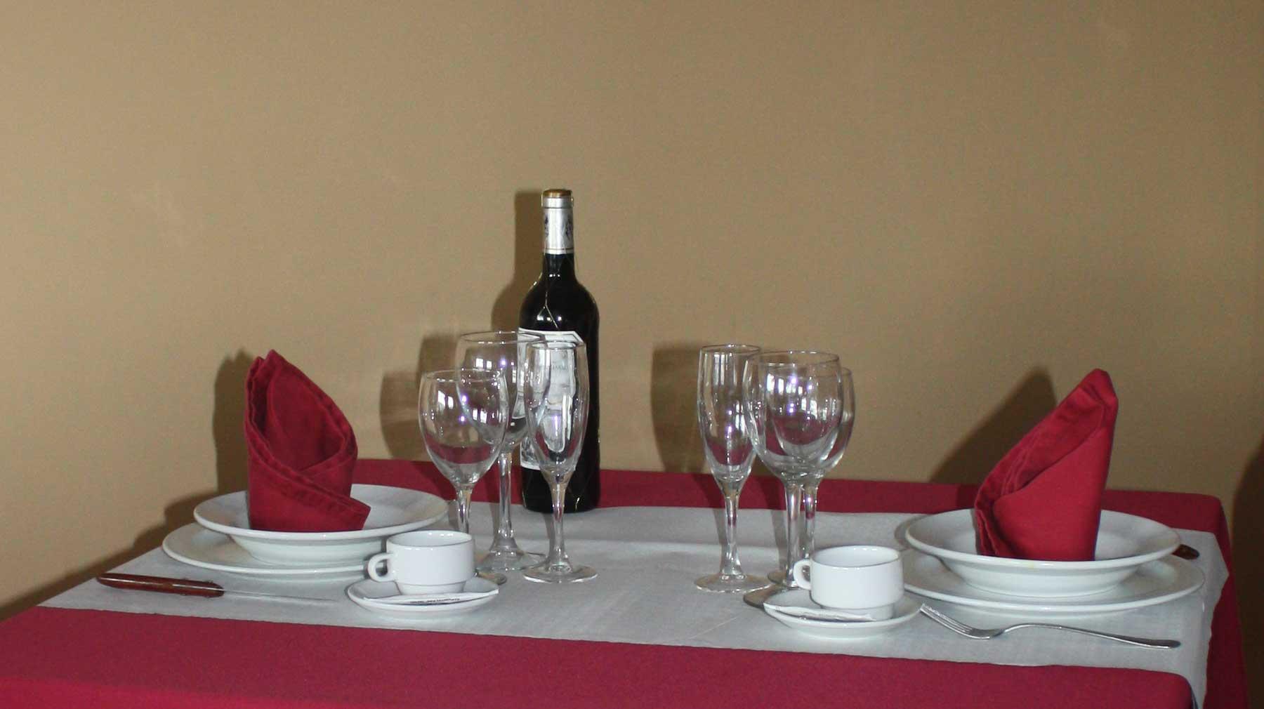 mesa del hotel & restaurante Casa de Juanjo